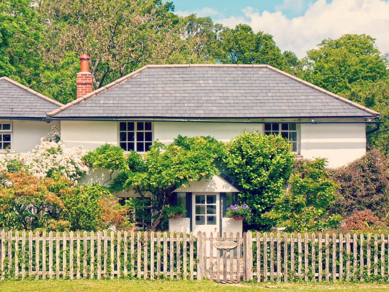 4 Ways to Add Country Style to Your Home